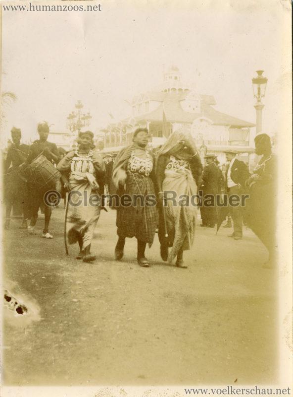 1900 Exposition Universelle de Paris Promenade indigene FOTO