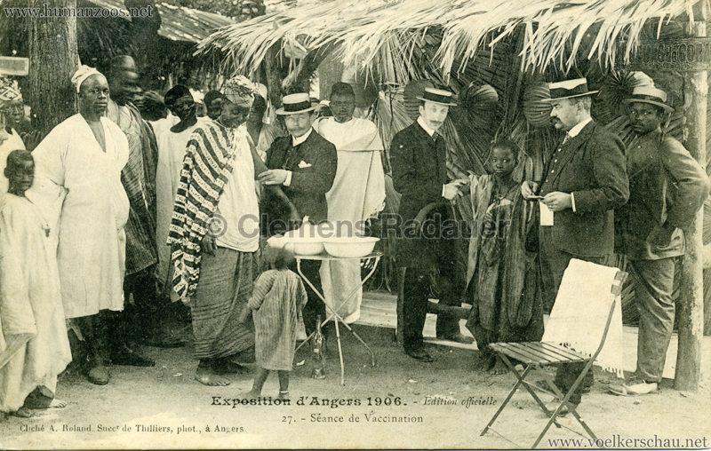 1906-exposition-dangers-27-au-village-noir-seance-de-vaccination