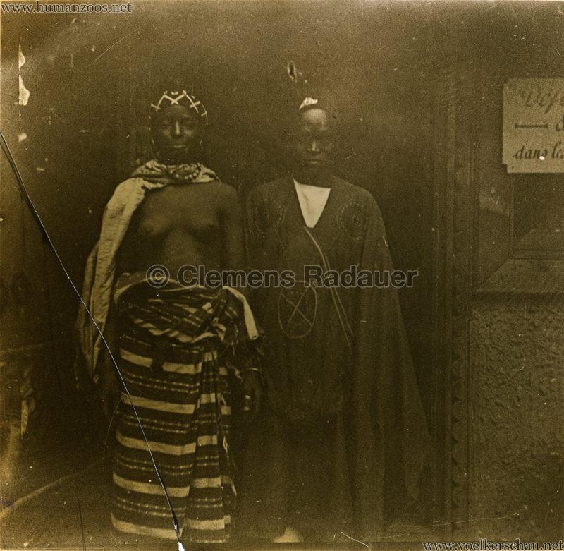 1907 Exposition Coloniale Paris, Bois de Vincennes - Verheiratetes Paar GLASSDIA Detail