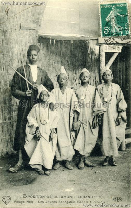 1910-exposition-de-clermont-ferrand-64-village-noir-les-jeunes-senegalais-avant-la-circoncision