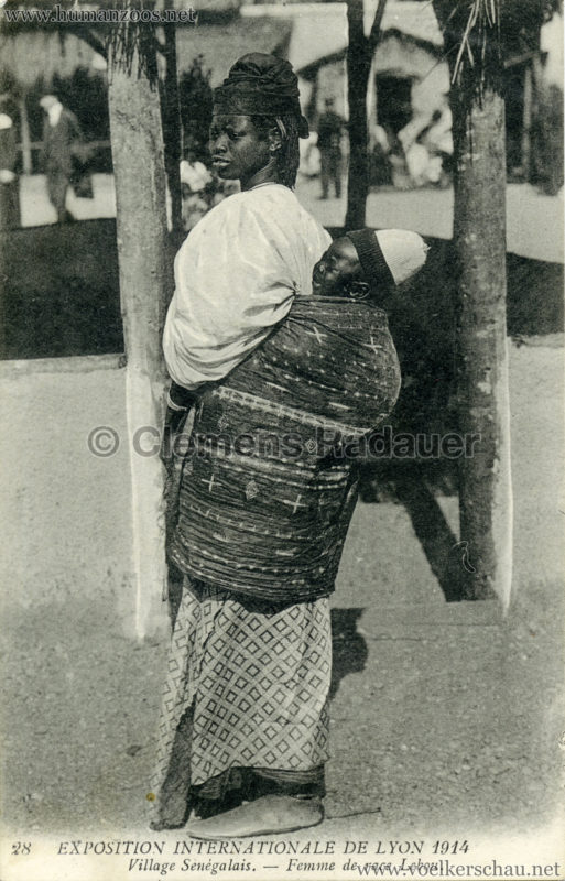 1914 Exposition Coloniale Lyon - Jardin & Village Sénégalais 28. Femme de race Lebou