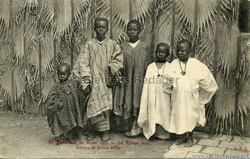1903 Exposition de Reims - 10. Groupe de Jeunes Filles