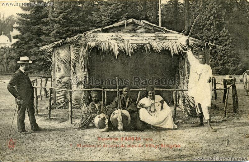 1904 Exposition d'Arras - 3. Musiciens et danseur de sabre