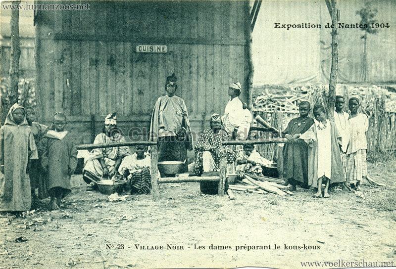 1904 Exposition de Nantes - Le Village Noir - 23. Les dames préparant le kous-kous