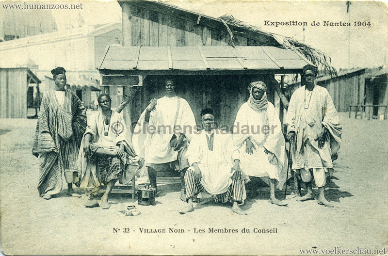 1904 Exposition de Nantes - Le Village Noir - 32. Les Membres du Conseil