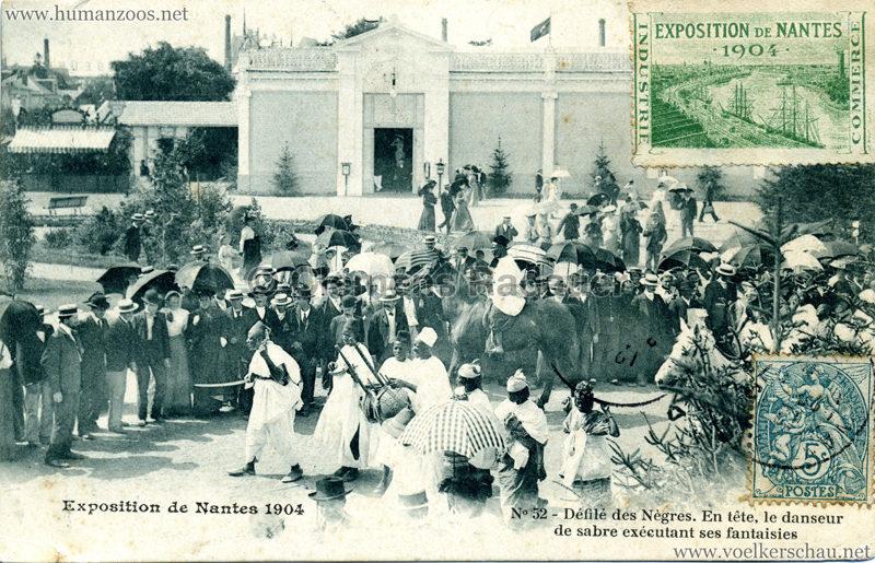 1904 Exposition de Nantes - Le Village Noir - 48. Défilé des Nègres devant la Galerie des Machines