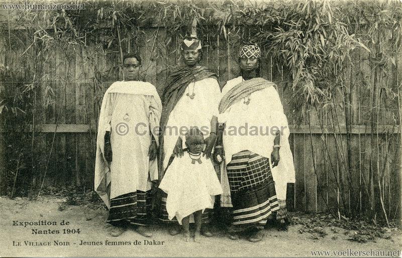 1904 Exposition de Nantes - Le Village Noir - Jeunes femmes de Dakar