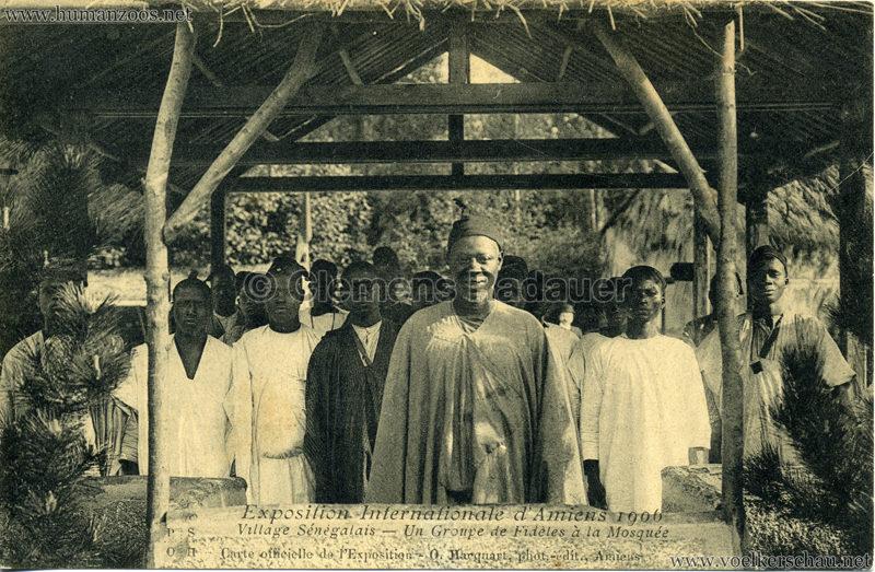 1906 Exposition Internationale d'Amiens - Village Sénegalais - Un Groupe de Fidèles à la Mosquée