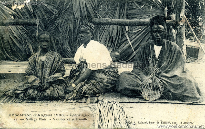 1906 Exposition d'Angers - 11. Village Noir - Vannier et sa Famille