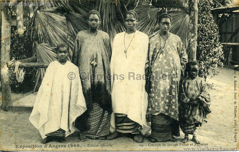 1906 Exposition d'Angers - 14. Groupe de jeunes Filles et Fillettes