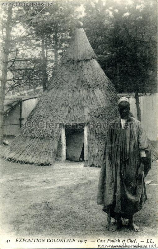 1907 Exposition Coloniale Paris, Bois de Vincennes - 41. Case Foulah et Chef