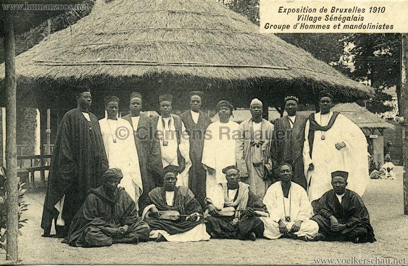 1910 Exposition de Bruxelles - Village Sénégalais - Groupe d'Hommes et mandolinistes