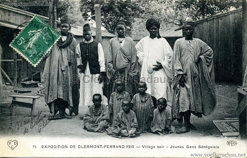 1910 Exposition de Clermont-Ferrand 71. Village Noir - Jeunes Gens Sénégalais