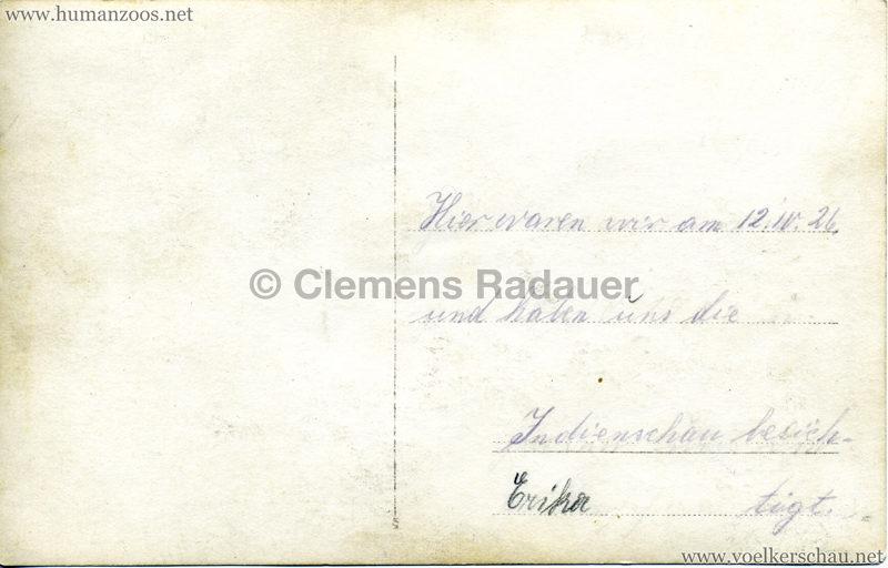 1926 John Hagenbeck's Indienschau - FOTO Gruppe mit Elefant 12.04.1926 RS