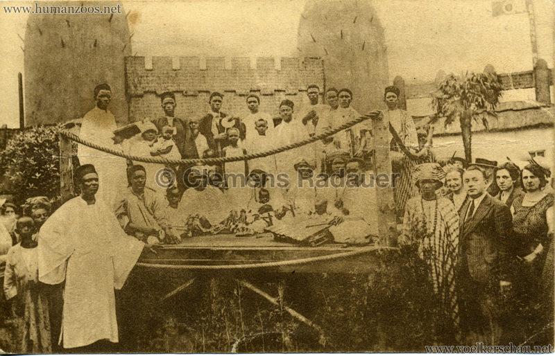 1930 Exposition d'Anvers - Village Africain - Un baptême noir