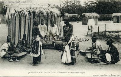 Jardin d'Acclimatation - Danseuses et Musiciens negres