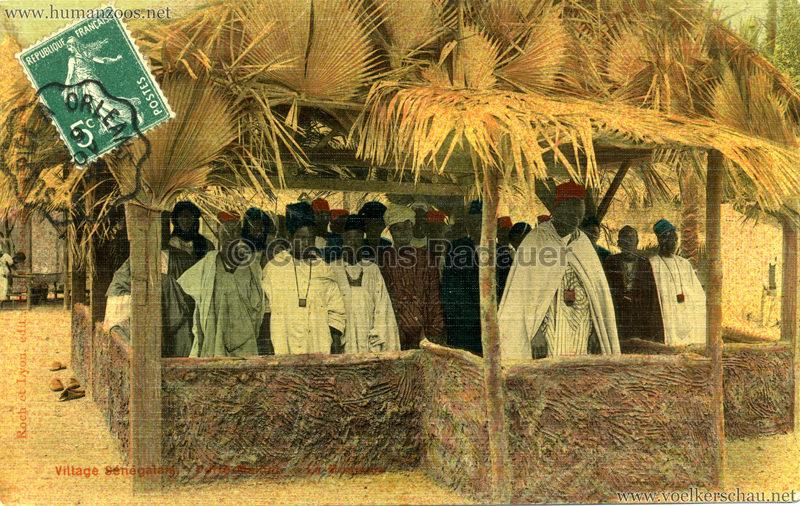 Porte Maillot - Village Sénégalais - Mosque (?)