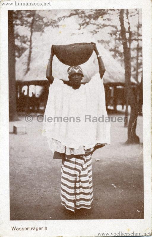 M. Ehrlich's Afrikaner-Völkerschau - Wasserträgerin