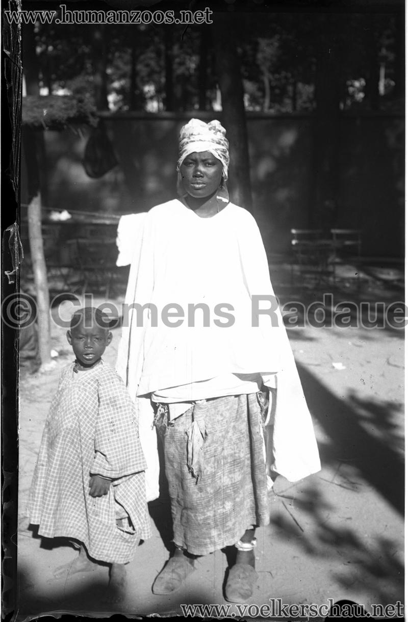 1900 Exposition Universelle de Paris - Living Madagascar - Glassdia 1