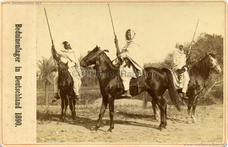 1890 Beduinenlager in Deutschland - Drei Männer auf Pferden