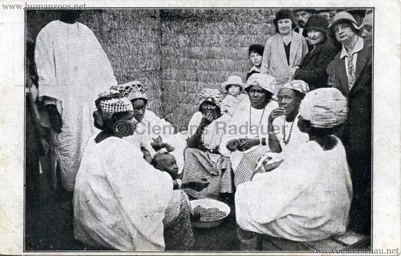 1930 Exposition d'Anvers - Village Africain - Le repas des femmes VS