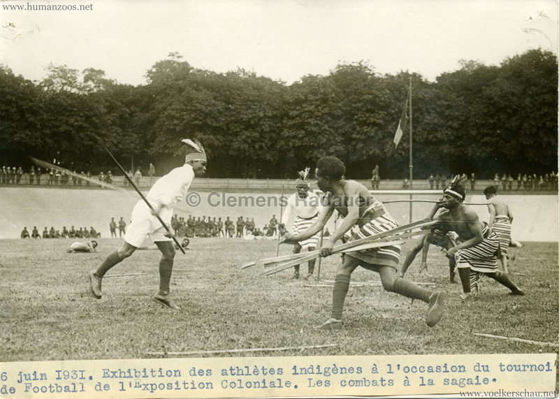 1931 Exposition Coloniale Internationale Paris - PRESSEFOTO Combats a la sagaie VS