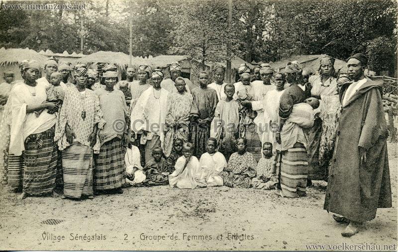 1913 Exposition de Gand - Village Sénégalais - 2. Groupe de Femmes et Fillettes