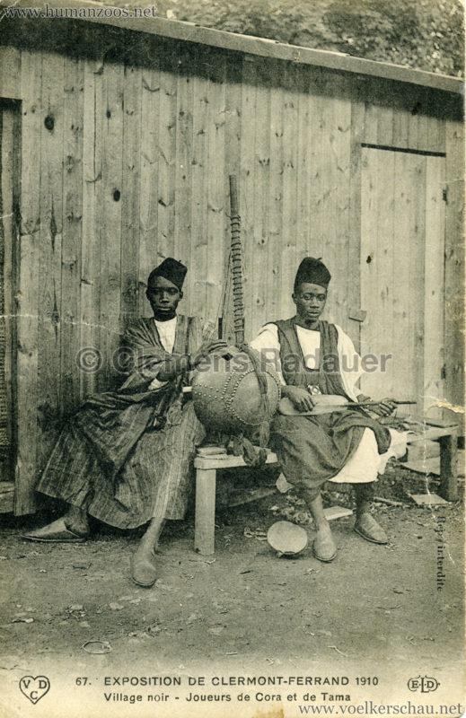 1910 Exposition de Clermont-Ferrand 67. Village Noir - Joueurs de Cora et de Tama