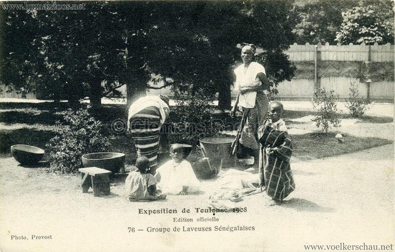 1908 Exposition de Toulouse - 76. Village Noir - Groupe de Laveuses Senegalais