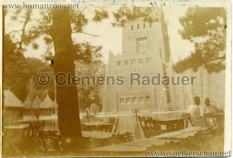 1931-exposition-coloniale-internationale-cafe-africain-foto