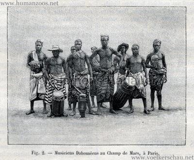 1893.05.13 La Nature No 1041 - Les Dahomeens au Champs de Mars de Paris S. 372 Detail 2