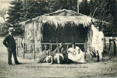 Village Sénégalais - Musiciens et danseur de sabre (wie Expo d'Arras)