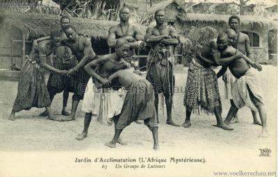 1910 L'Afrique Mystérieuse - Jardin d'Acclimatation - 63. Un group de lutteurs