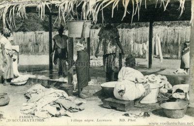 Jardin d'Acclimatation - Village negre - Laveuses VS
