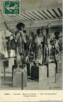 PARIS - Invalides - Musée de l'Armée - Salle Ethnographique. Groupe Océanien