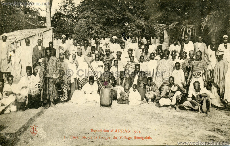 1904 Exposition d'Arras - 2. Ensemble de la troupe du Village Senegalais