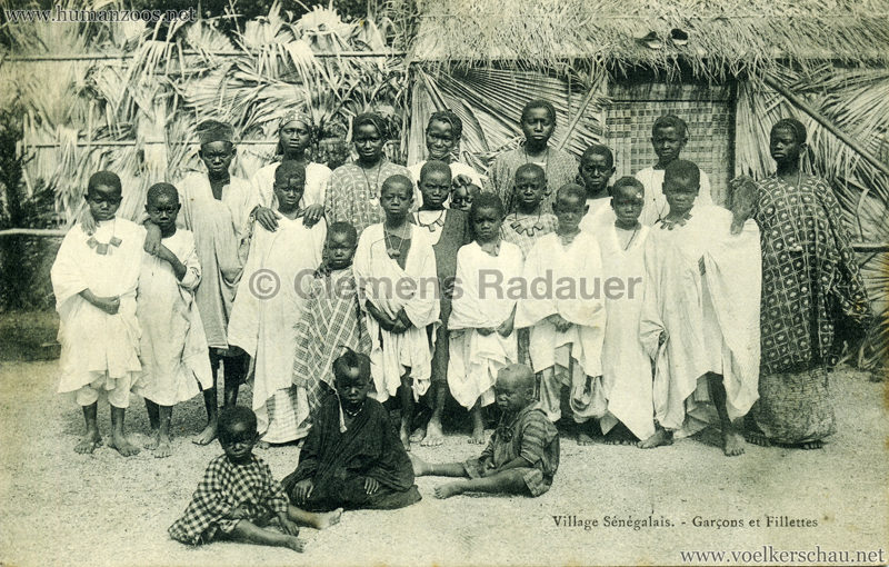 Village Sénégalais - Garcons et Fillettes gel Franco British Exhibition VS